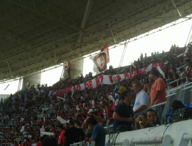 Faixa torcida Flamengo 87 (Foto: Richard Souza / Globoesporte.com)