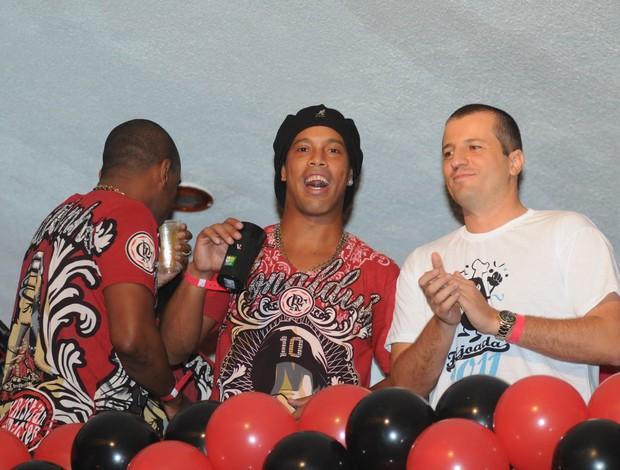 Ronaldinho Gaúcho, no Baile Vermelho e Preto (Foto: André Durão / Globoesporte)