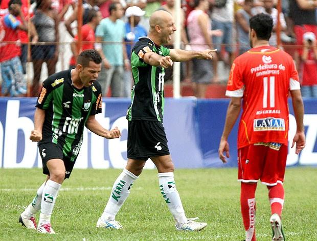 Fábio Júnior gol América-MG (Foto: Ag. Estado)