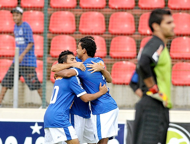 Jogadores gol Cruzeiro  (Foto: Ag. Estado)