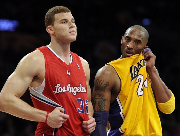 Blake Griffin e Kobe Bryant (Foto: AP)