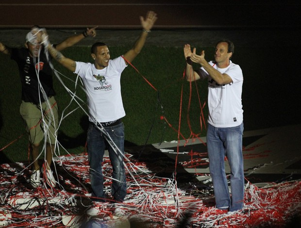 Rogério Ceni apresentação Luis Fabiano  (Foto: Luiz Pires / VIPCOMM)