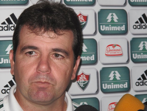 Enderson Moreira Fluminense (Foto: Carlos Mota / Globoesporte.com)