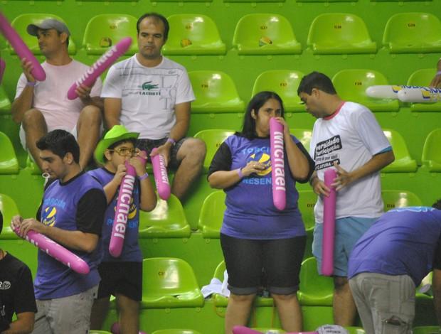 Torcida Vôlei futuro bate bate (Foto: João Gabriel Rodrigues /  GLOBOESPORTE.COM)