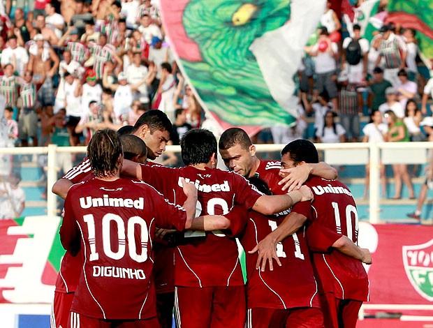 jogadores comemoram gol do Fluminense contra o Americano (Foto: Agência Photocâmera)