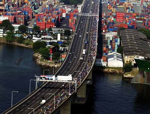 corrida da ponte  (Foto: Alexandre Cassiano/O Globo)