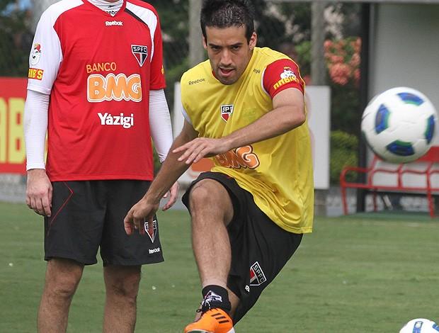 ilsinho são paulo treino (Foto: Luiz Pires / Vipcomm)