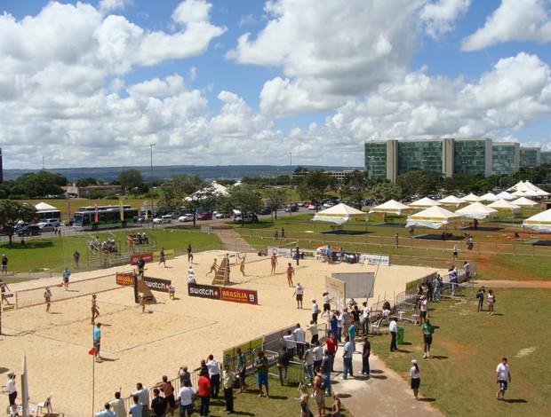 arena do vôlei de praia em Brasília vista do alto (Foto: Alfredo Bokel / Globoesporte.com)