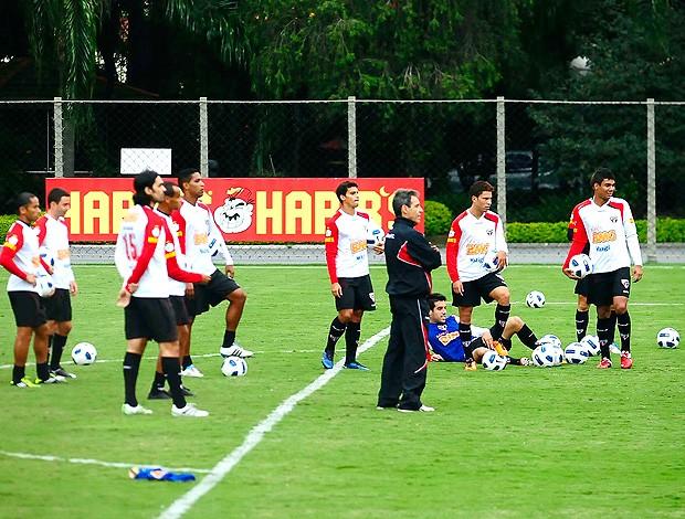 treino São Paulo (Foto: Marcos Ribolli / Globoesporte.com)