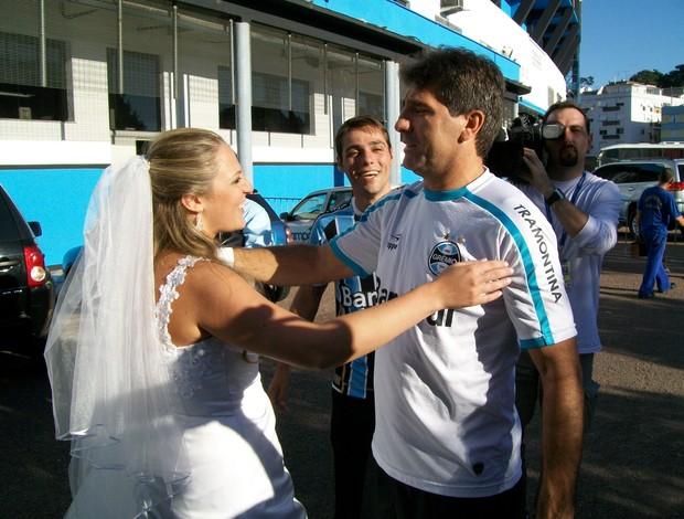 Renato ga cho aben oa casamento de gremistas no est dio for Renato portaluppi e casado
