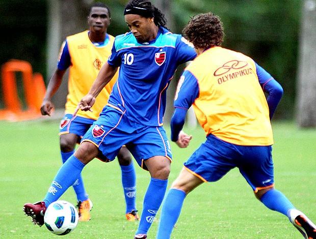 Ronaldinho Gaúcho no treino do Flamengo (Foto: Maurício Val / VIPCOMM)