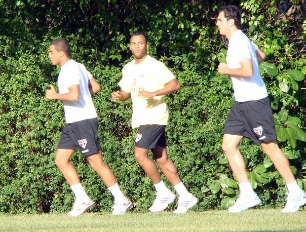 Fernandinho, Lucas e Rhodolfo treinam no São Paulo (Foto: Site oficial / SPFC.net)