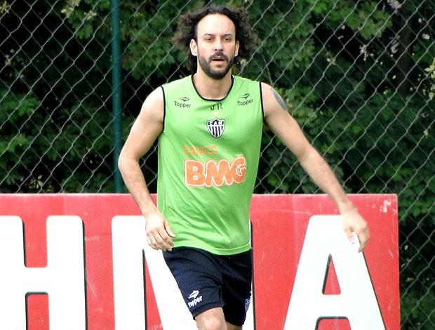 Gabriel, o pensador, visita a Cidade do Galo (Foto: Marco Antônio Astoni / Globoesporte.com)