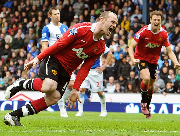 Rooney comemora gol do Manchester United contra o Blackburn (Foto: Reuters)