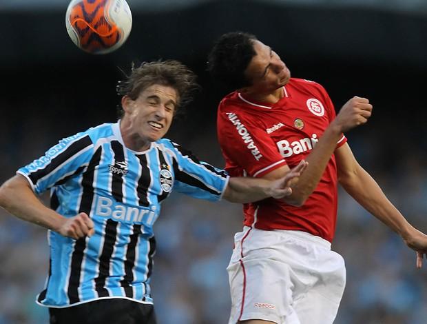 Leandro Damião Internacional x Grêmio (Foto: Jefferson Bernardes / VIPCOMM)
