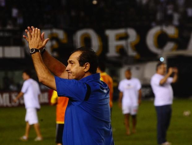 Muricy Ramalho agradece o apoio da torcida do Santos (Foto: Marcos Ribolli / GLOBOESPORTE.COM)