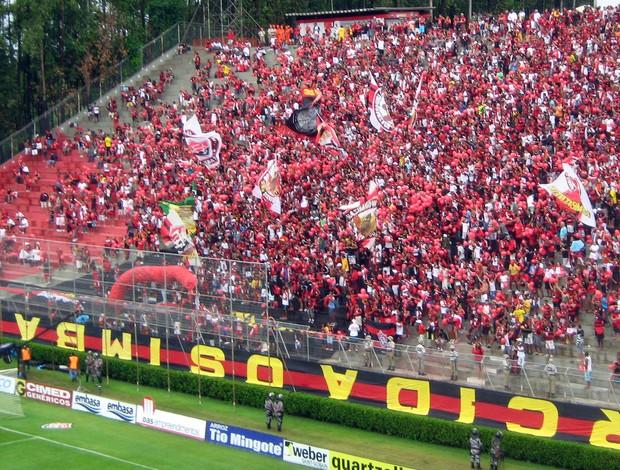 torcida do vitória na final do Baianão (Foto: Bruno Wendel/Globoesporte.com)