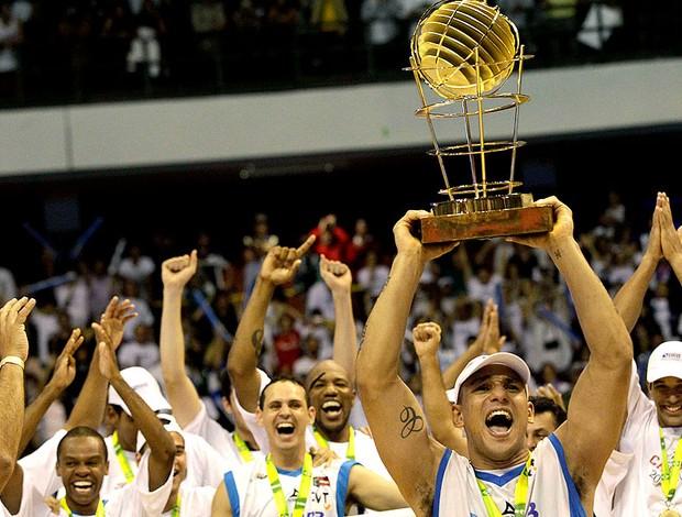 Brasília comemora título da NBB (Foto: Mowa Press)