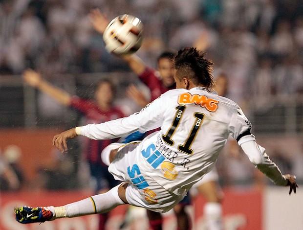 Neymar Santos x Cerro Porteño (Foto: Miguel Schincariol / Globoesporte.com)