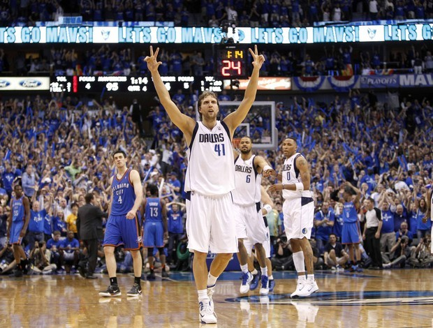 Dirk Nowitzki, do Dallas Mavericks (Foto: AP)