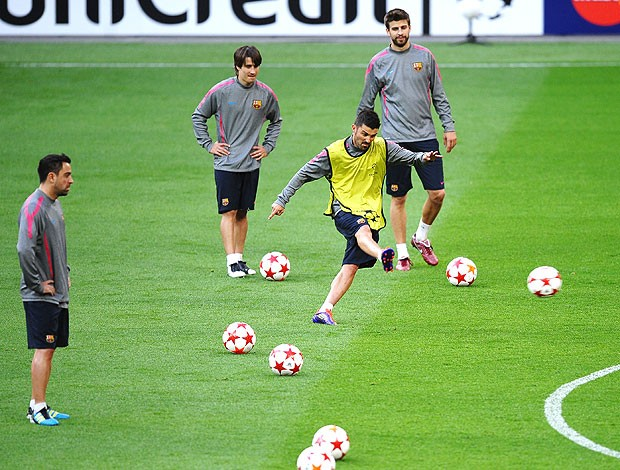 David Villa no treino do Barcelona em Wembley (Foto: Getty Images)