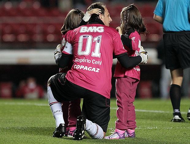 rogerio ceni são paulo camisa rosa filhas (Foto: Wander Roberto / Vipcomm)