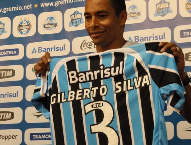Gilberto Silva com a camisa do Grêmio (Foto: Eduardo Cecconi/Globoesporte.com)
