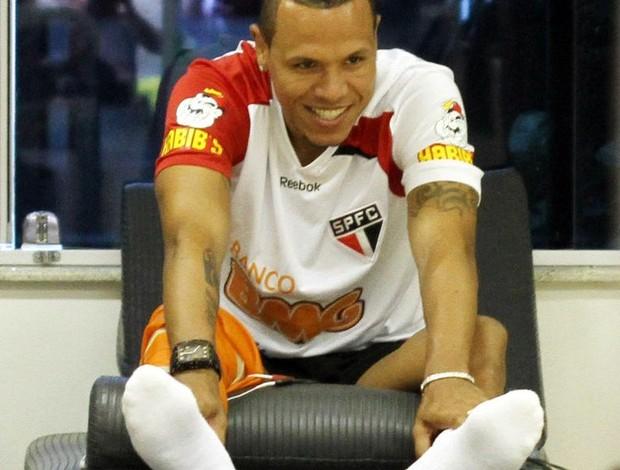 Luis Fabiano segue tratamento no Reffis (Foto: Site oficial do São Paulo FC)