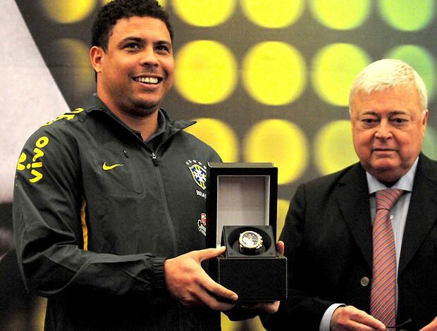 homenagem ronaldo ricardo teixeira brasil (Foto: Marcos Ribolli / Globoesporte.com)