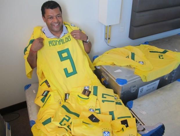 Barreto Roupeiro da Seleção (Foto: Leandro Canônico/GLOBOESPORTE.COM)