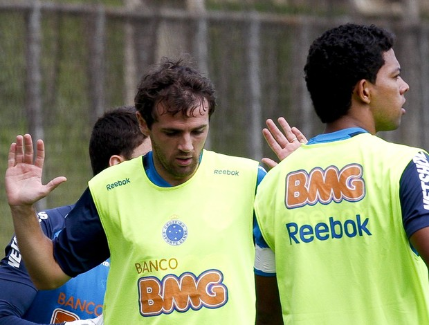 Montillo, no treino do Cruzeiro (Foto: Washington Alves / Vipcomm)