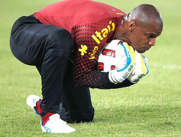 Jefferson no treino da Seleção (Foto: Mowa Press)