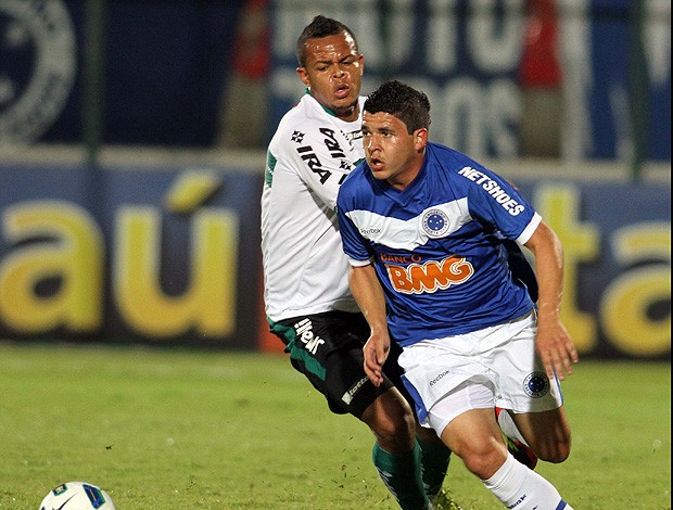 diego renan cruzeiro bill coritiba (Foto: Washington Alves / Vipcomm)