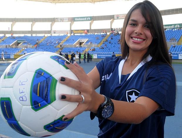gandula fernanda maia botafogo  (Foto: André Durão / Globoesporte.com)