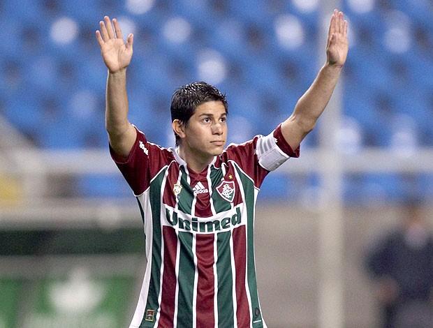 Conca na partida do Fluminense contra o Atlético-PR (Foto: Alexandre Cassiano / Ag. O Globo)