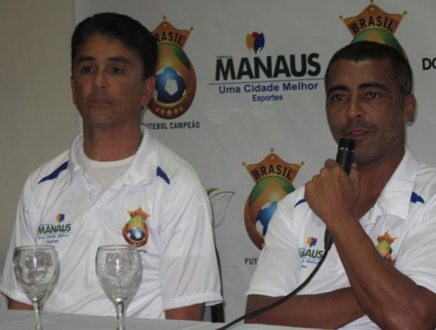 Bebeto e Romário em coletiva em Manaus (Foto: Cahê Mota/GLOBOESPORTE.COM)