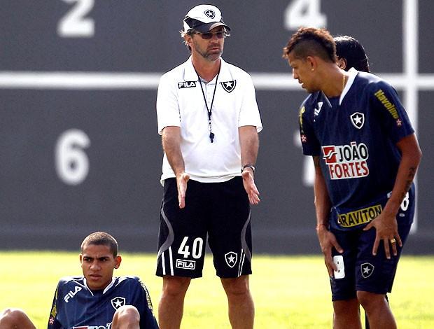Caio Junior no treino do Botafogo (Foto: Jorge William / Ag. O Globo)
