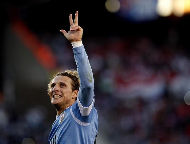 forlan uruguai gol paraguai (Foto: agência AP)