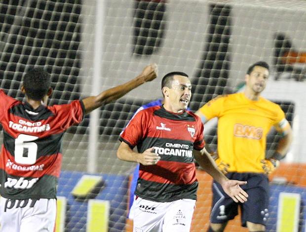 Felipe gol Atlético-GO (Foto: Ag. Estado)