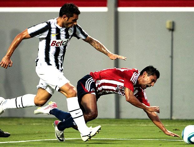 Michele Pazienza no amistoso do Juventus contra o Chivas (Foto: AP)
