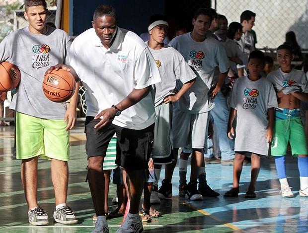 Basquete sem fronteiras Complexo do Alemão NBA Rio de Janeiro (Foto: Divulgação)