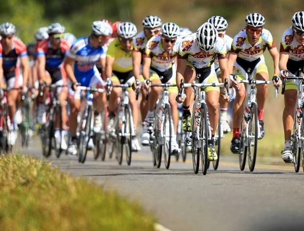 Atletas durante a última etapa do Tour do Rio de ciclismo (Foto: Tony Andrea / FOTOCOM.NET)