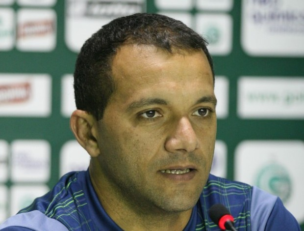 Iarley mostrou sua indignação com a violência entre as torcidas (Foto: Rosiron Rodrigues/Goiás E.C.)
