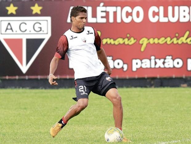 Anderson é um dos responsáveis pela boa fase da defesa atleticana (Foto: Cristiano Borges/O Popular)