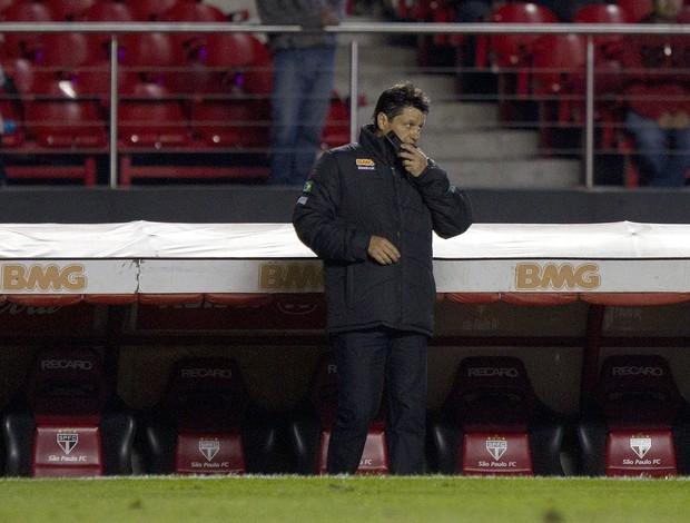 Adilson Batista durante a partida contra o Bahia (Foto: Wander Roberto/VIPCOMM)