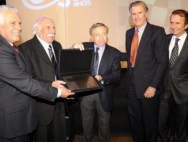 """Homenagem a Wilson Fittipaldi, o """"Barão"""", na festa dos 50 anos da CBA (Foto: Carlos Fernandez/Divulgação CBA)"""
