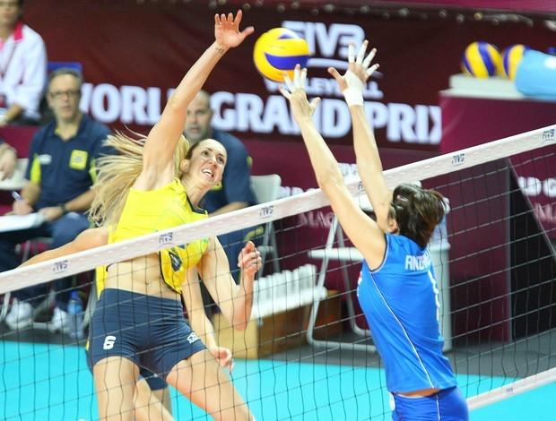 Brasil 3 x 0 Itália, Grand Prix vôlei, Macau (Foto: FIVB / Divulgação)