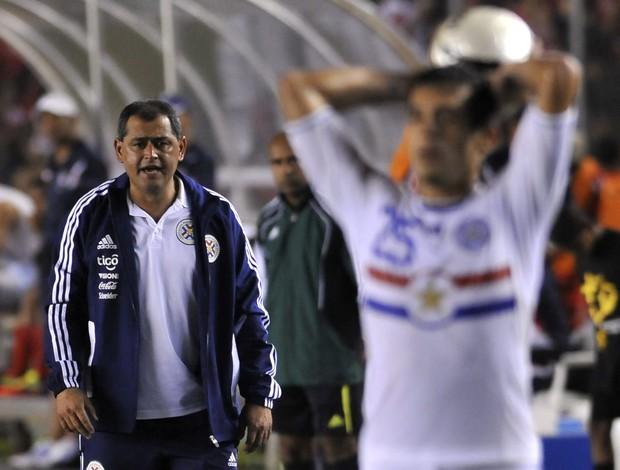 Arce, técnico do Paraguai (Foto: EFE)