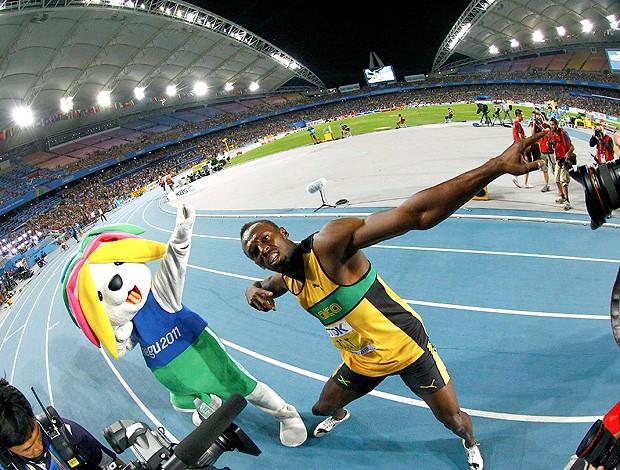 Usain Bolt na prova dos 200m (Foto: Reuters)