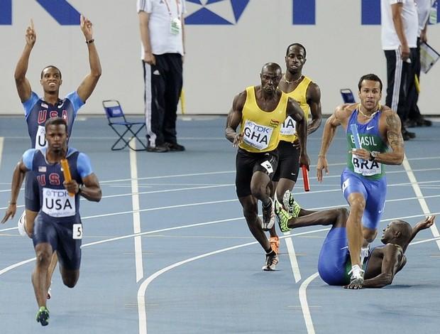 atletismo mundial brasil revezamento 4 x 100 desclassificado (Foto: AP)